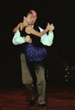 Argentine tango lift